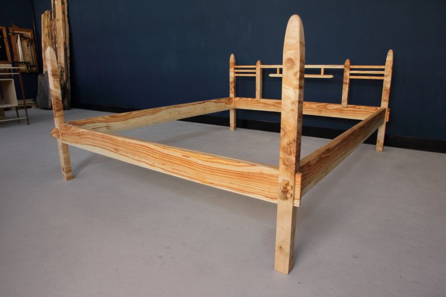 Vrede - Double bed by Espenaer