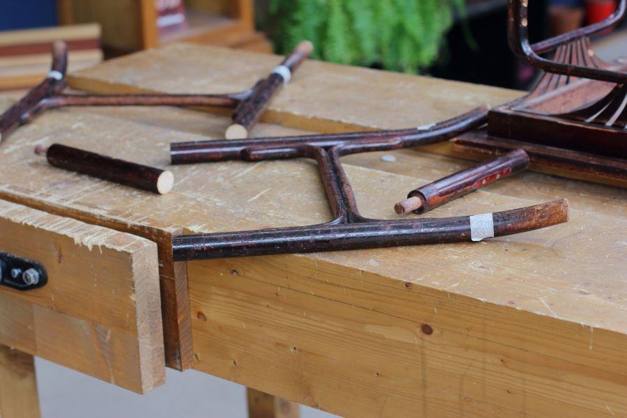 Shortening table legs @ Atelier Espenaer