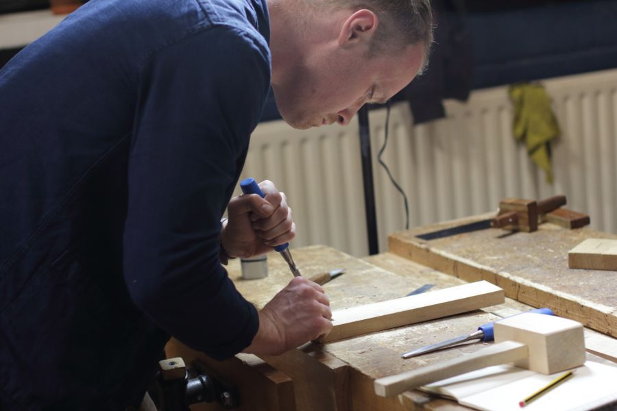 Artisanal woodworking course in Amsterdam at Atelier Espenaer
