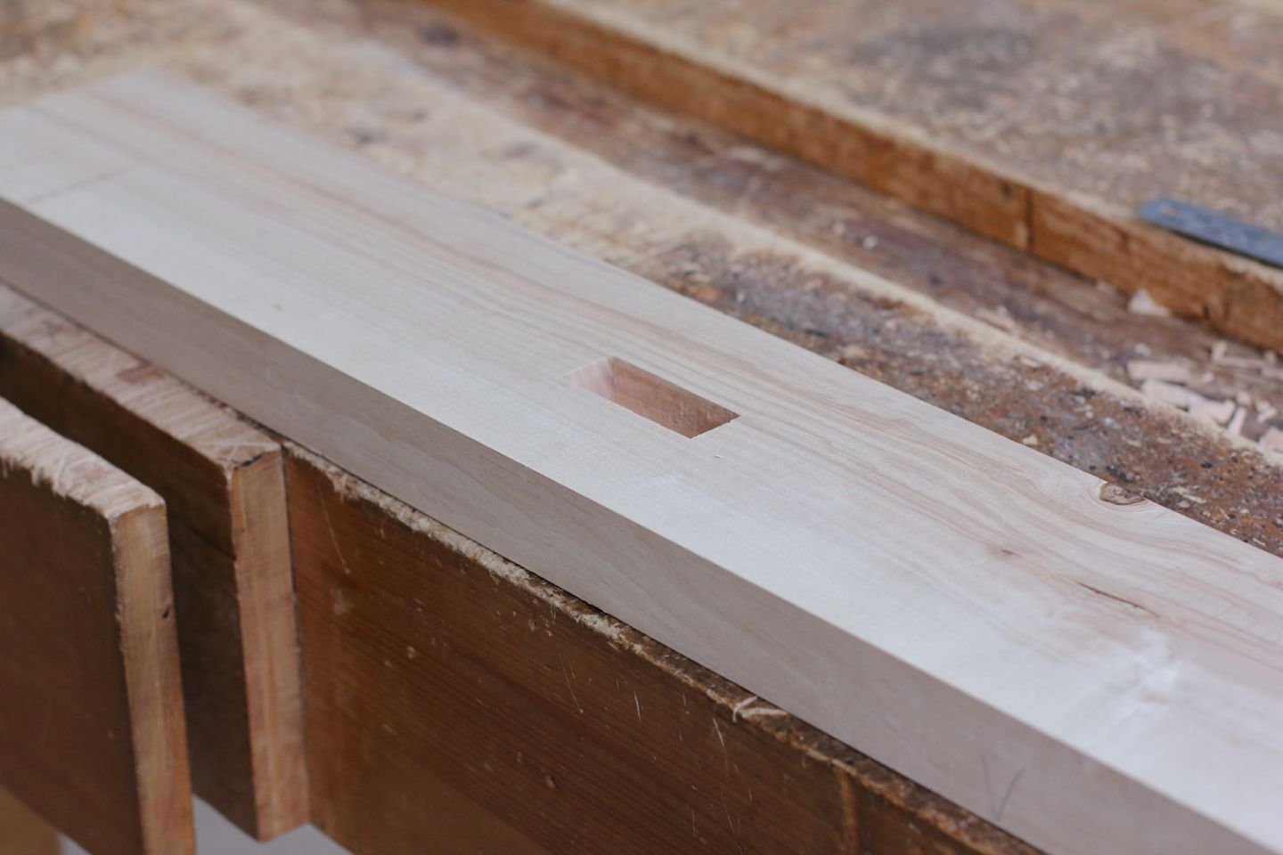 Conference table Milieudefensie - Cutting a mortise @ Atelier Espenaer